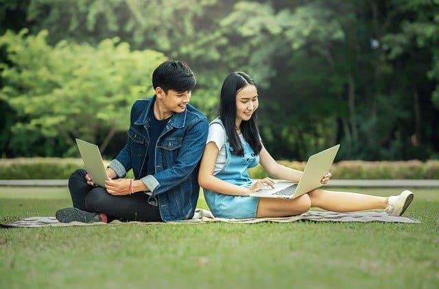 Sperrkonto Studenten: Findet Ihr beim Fintech Fintiba!